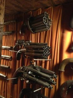 A previous Pinner says: I saw these homemade guns in a museum today.
