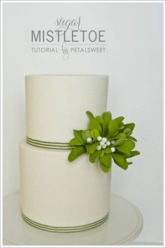 Learn how to make sugar mistletoe for your Christmas and holiday cakes. A DIY tutorial created by master sugar artist, Jacqueline Butler of Petalsweet! Fondant Flowers, Sugar Flowers, Fancy Cakes, Cute Cakes, Sweet Cakes, Yummy Cakes, Fondant Cakes, Cupcake Cakes, Holiday Cakes
