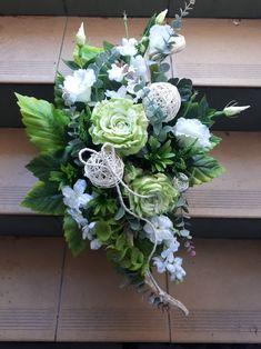Nice work fake flower Black Flowers, Fake Flowers, Funeral, Floral Wreath, Birds, Gardening, Wreaths, Plants, Diy