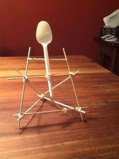 Catapult - could be converted to a display stand Science Week, Science Fair Projects, Science For Kids, Scout Activities, Activities For Kids, Inventions Kids, Diy For Kids, Crafts For Kids, Homeschool Coop