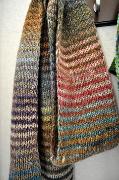 Earthy colours : stunning knitted scarf