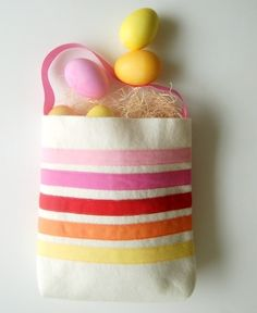 Easy-bunny-candy-pouch