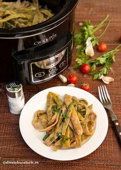 RETETE DE MANCARE DE POST | Diva in bucatarie Romanian Food, Romanian Recipes, Vinaigrette, Mozzarella, Crockpot, Slow Cooker, Kitchen Appliances, Easy, Diva