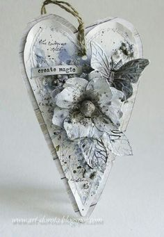 Dorota_mk (Dorota (Kopeć) Kotowicz: Mediowe szaleństwo i kolejne warsztaty. Decoupage, Mixed Media Cards, Arts And Crafts, Paper Crafts, Mix Media, Heart Crafts, Heart Decorations, Wooden Hearts, Heart Art