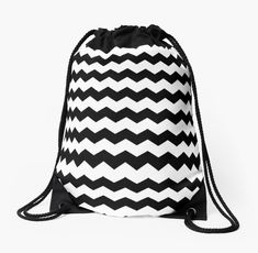 This cute black and white chevron totebag is just what i'm looking for.
