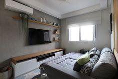 Apartamento da Arquiteta Larissa Zimermano | Casa de Valentina Home Theather, Home Office, Flat Screen, Bedroom, Movie Rooms, Home Decor, Ideas, Diy, Tv Room Small