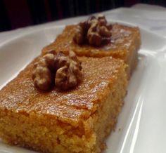 A delicious dessert from Gaziantep, Turkey Sweet Recipes, Snack Recipes, Dessert Recipes, Cooking Recipes, Snacks, Yummy Drinks, Delicious Desserts, Honey Dessert, Turkish Sweets