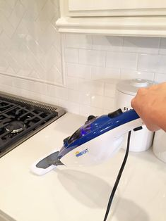 I love using steam to clean and disinfect kitchen counters. Chemical free cleaning and the best way to disinfect! Chemical Free Cleaning, Cleaning Dust, Green Cleaning, Spring Cleaning, Cleaning Hacks, Quartz Cleaner, Steam Mop, Steam Cleaners, Clean Up
