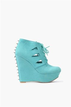 Carter Wedges. This is what I want for my birthday May 29! :)