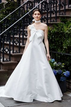 The new Lela Rose wedding dresses have arrived! Take a look at what the latest Lela Rose bridal collection has in store for newly engaged brides. Lela Rose Wedding Dresses, V Neck Wedding Dress, Wedding Dress Trends, Bridal Wedding Dresses, Wedding Dress Styles, Bridal Style, Modest Wedding, Minimal Wedding Dress, Bridal Jumpsuit
