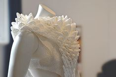 Designer uses sustainable 3D printing in recent #exhibition blurring the lines between #fashion and art https://3dprint.com/190354/3d-printed-fashion-art-exhibition/ | #3DPrinter