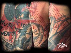 Demie manche polka crash par Djuss chez tatouage Calypso