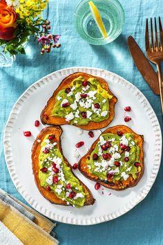 Rezept: Süßkartoffel Toasts Gebackene Süßkartoffelscheiben als glutenfreier Brotersatz! Perfekt als kleiner Snack, Frühstück oder zum Brunch! Ganz schnell im Ofen zubereitet und richtig gesund! Hellofreshde / Kochen / Essen / Ernährung / Kochbox / Zutaten / Gesund / Schnell / Einfach / DIY / Gericht / Blog / Leicht #süßkartoffel #sweetpotato #toast #brunch #frühstück #snack #hellofreshde #kochen #glutenfrei #zubereiten #zutaten #diy #rezept #kochbox #ernährung #gesund #schnell #einfach