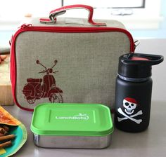 PVC, BPA, lead and phthalate free lunch gear.