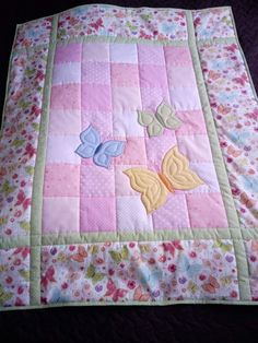 Beadwork simple Baby quilts Baby quilts peter rabbit animal B Owl Baby Quilts, Baby Quilts Easy, Baby Patchwork Quilt, Handmade Baby Quilts, Quilt Baby, Baby Quilts For Boys, Baby Quilt Tutorials, Baby Quilt Patterns, Baby Quilt Panels