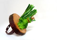 Adjustable ring  Frog Price on a Wood Slice  Green Toad by ixela, $18.00