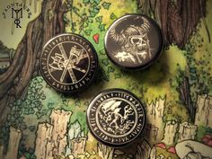 Norse mythology pin-buttons available on my etsy-shop : https://www.etsy.com/fr/listing/487521461/way-to-walhalla-set-of-pin-button-badge?ref=listing-shop-header-0 Illustrations and pics 2016 ©...