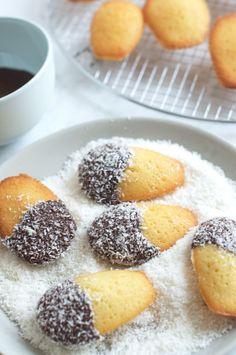 Madelamingtons - A French Madeleine dressed up as an Australian Lamington! Two of my favorites! Tea Cakes, Mini Cakes, Cupcakes, Cupcake Cakes, Profiteroles, Biscuits, Toffee, Kolaci I Torte, Fudge