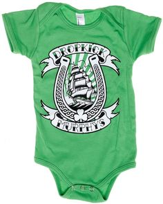 For that Dropkick Murphys fan that you want to start off early! This kelly green one piece features a lucky horseshoe logo of everyones favorite Boston punk rock band. Rockabilly Baby, Punk Baby, Custom Baby Onesies, Baby Due, Gender Neutral Baby Clothes, Boy Onesie, Tattoos For Kids, Dropkick Murphys, Gifts For New Moms