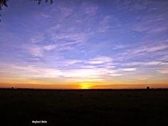 """Olhares do avesso: Não vamos – por Rafael Belo crônica de segunda. Chronic Monday """"É como esperar para ver o nascer do sol. Qual o sentido? Senti-lo? Deixar-se maravilhar?"""" """"It's like waiting to see the sunrise. Which direction? Feel it? Let marvel?"""" http://olharesdoavesso.blogspot.com.br/2014/08/nao-"""