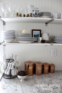Fall Styled Shelves in the Kitchen Kitchen Dinning, Home Decor Kitchen, Beautiful Kitchens, Cool Kitchens, Beach House Kitchens, Buffet, Rental Decorating, Kitchen Items, Autumn Home