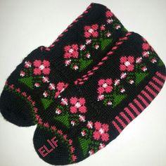 Baby Knitting Patterns, My King, Knitting Socks, Winter Hats, Crochet, Batik, Instagram, Amigurumi, Knit Socks