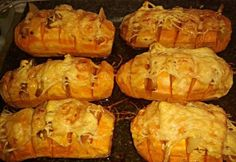 Sweet potatoes with bacon and cheese Diabetic Recipes, Gluten Free Recipes, Diet Recipes, Cooking Recipes, Healthy Recipes, Recipies, No Bake Cake, Sweet Potato, Food Porn