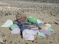 Today's lucky sea glass finds including amethyst, yellow and black glass. Best sea glass hunt in a while! Favorite Pastime, Beach Stones, Sea Glass Jewelry, Black Glass, Cobalt Blue, Holiday Fun, Cool Art, Amethyst, The Past