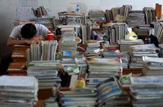 """""""Uma fábrica de exames chinesa"""" Na escola de Maotanchang não há telemóveis, tomadas de electricidade ou qualquer diversão dita do mundo moderno. Ali, só se estuda intensivamente com pausas semanais de apenas três horas ao domingo."""