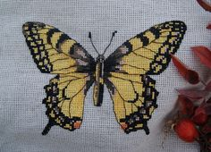 toropysshka Native American Beading, Kingfisher, Moth, Nativity, Beaded Jewelry, Insects, Bee, Animals, Dots