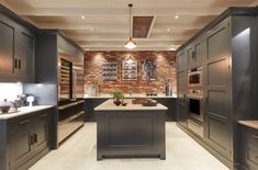 Kitchen design rustic contemporary exposed brick ideas for 2019 Industrial Style Kitchen, Rustic Kitchen Design, New Kitchen Designs, Interior Design Kitchen, Kitchen Ideas, Kitchen Photos, White Shaker Kitchen, Shaker Kitchen Cabinets, Exposed Brick Kitchen