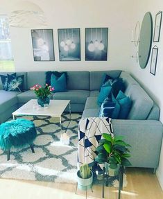60 Gorgeous Living Room Color Schemes to Make Your Room Cozy « Home Decoration Cozy Grey Living Room, Romantic Living Room, Teal Living Rooms, Living Room Color Schemes, Home Living Room, Living Room Designs, Interior Design Living Room, Grey Living Room With Color, Living Room Inspiration