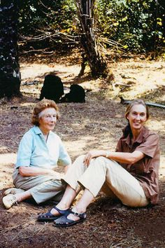 Jane Goodall and her mother - Article on Why Mom Always Knows Best