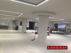 Led verlichting op het plafond door Led-e-Lux in Den-Bosch. Deze op maat gemaakte verlichting past perfect bij het design van het gebouw. Led Lampe, Track Lighting, Ceiling Lights, Design, Home Decor, Ceiling, Lush, Taps, Decoration Home