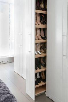 19 Wonderful Walk-In Closets - Walk In Closet Designs and Ideas - Home Design Closet Walk-in, Closet Bedroom, Smart Closet, Mansion Bedroom, Bedroom Tv, Mansion Interior, Closet Ideas, Walk In Closet Design, Closet Designs