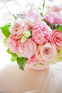 Photography by Lg Weddings / lgweddings.com, Floral Design by East of Eliza / eastofeliza.com/