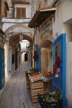 A street scene in the old part of Sperlonga, Lazio, Italy. #VisitingItaly