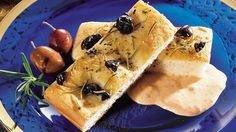 Looking for baked appetizer using Pillsbury® Refrigerated White Home-style Loaf? Then check out these great olive focaccia with cheese and roasted bell peppers dip.