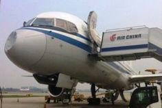 Aviões russos quase são derrubados por OVNIs.