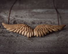 Hand Carved Wings Pendant by Giles Newman Chip Carving, Bone Carving, Diy Resin Crafts, Wood Crafts, Wooden Jewelry, Jewelry Art, Whittling Wood, Wood Carving Patterns, Wood Necklace