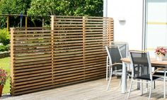 Need some low maintenance garden design ideas? Learn the fundamentals and tips to creating the perfect low mainteance outdoor space in our feature article. Diy Pergola, Backyard Pergola, Backyard Landscaping, Corner Pergola, Diy Deck, Outdoor Rooms, Outdoor Living, Low Maintenance Garden Design, Corner Garden
