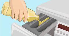 Ze doet een scheut azijn in het wasverzachter bakje van haar wasmachine. Wanneer…