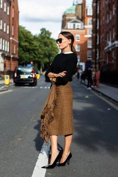 The Best Street Style From London Fashion Week 2019 La Fashion Week, Spring Fashion Trends, London Fashion, Autumn Fashion, Corporate Fashion, Fashion Outfits, Womens Fashion, Fashion Tips, Fashion Ideas