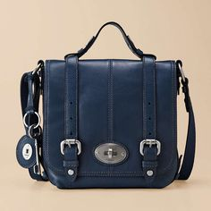 Love any purse that looks like it goes with a saddle. And Fossil has the prettiest ones!