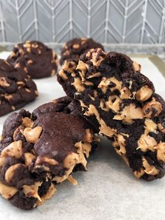 Jul 31, 2019 - Thick, rich, and chewy, these chocolate peanut butter chip cookies will have you thinking you're sitting on West 74th Street at the… Chocolate Chip Cookies, Peanut Butter Chip Cookies, Chocolate Peanuts, Chocolate Cupcakes, Cookie Butter, Chocolate Butter, Chocolate Strawberries, Brownie Cookies, No Bake Cookies