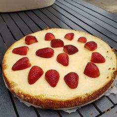 Een lekker koolhydraatarm nagerecht- of snack, koolhydraatarme cheesecake. Deze cheesecake is heerlijk om te eten als nagerecht of snack bij een kopje thee.