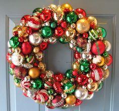 Christmas Ornament Wreath - multicolor