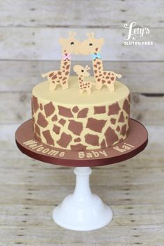 Giraffe Baby Shower Cake – Take Two! I got to recreate this cute baby shower giraffe cake design for a client that fell in love with the original on my website (I had made this before only in a smaller size and with matching cupcakes). Giraffe Party, Giraffe Decor, Giraffe Cakes, Giraffe Birthday, Baby Shower Giraffe, Torta Baby Shower, Baby Shower Cupcakes, Shower Cakes, Baby Shower Themes