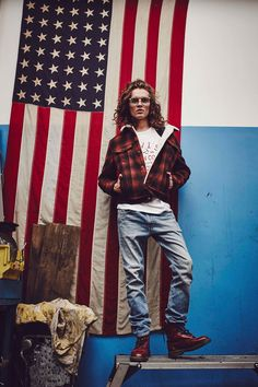 "Check out my @Behance project: ""levi's advertorial for k mag"" https://www.behance.net/gallery/48846035/levis-advertorial-for-k-mag #levis #jeans #jankryszczak #stylist #america #flag #photography #photographer #editorial #metaluna #metalunaagency #warsaw #warszawa #poland #fashion #style"