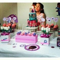 DOC Isabela!! Esta princesa cumplió sus 6 añitos  con @Dulcycandy  #TortasPalmira #TortasTemáticas #TortaDoctoraJuguetes Torta Doctora juguetes personalizada, cupcakes toppers en papel personalizados, cake pops!!